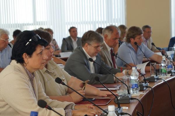 Публичные слушания по внесению изменений в Устав Дзержинска назначены на 5 сентября 2019 года.